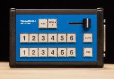 Кнопки по умолчанию для моделей Skaarhoj E21-TVSS и Skaarhoj E21-TVSL.